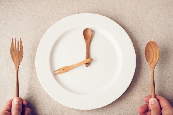 assiette vide, jeûne intermittent